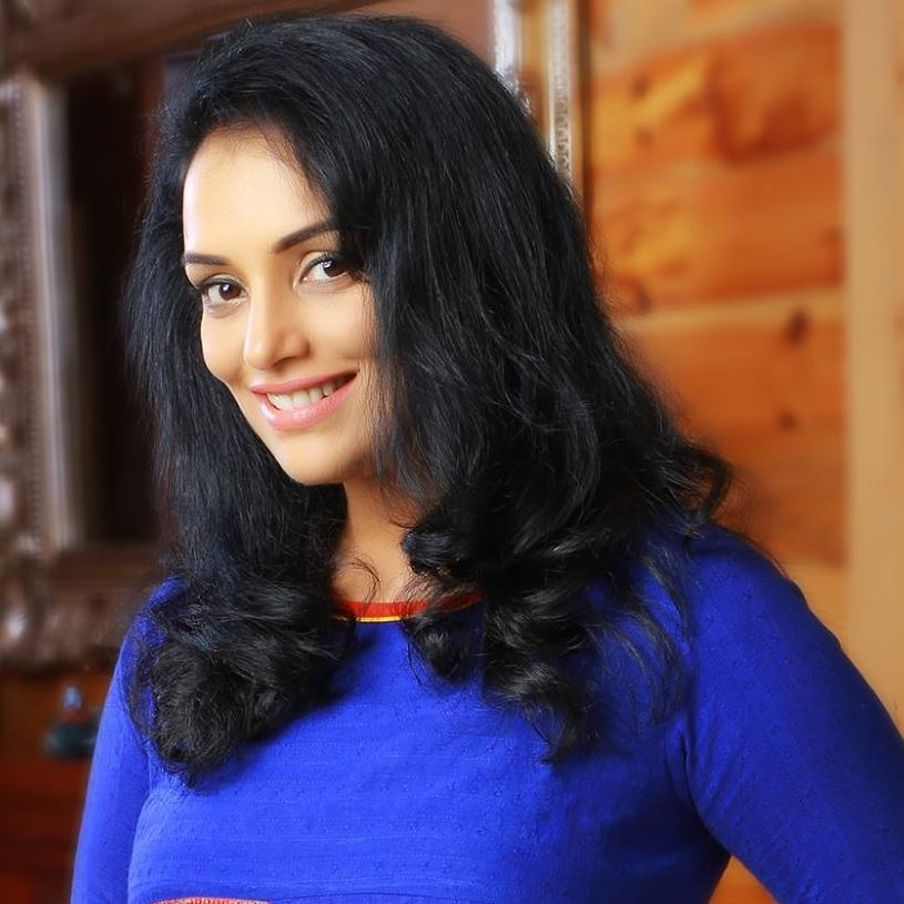Swetha Menon HD Images In Blue Clothes