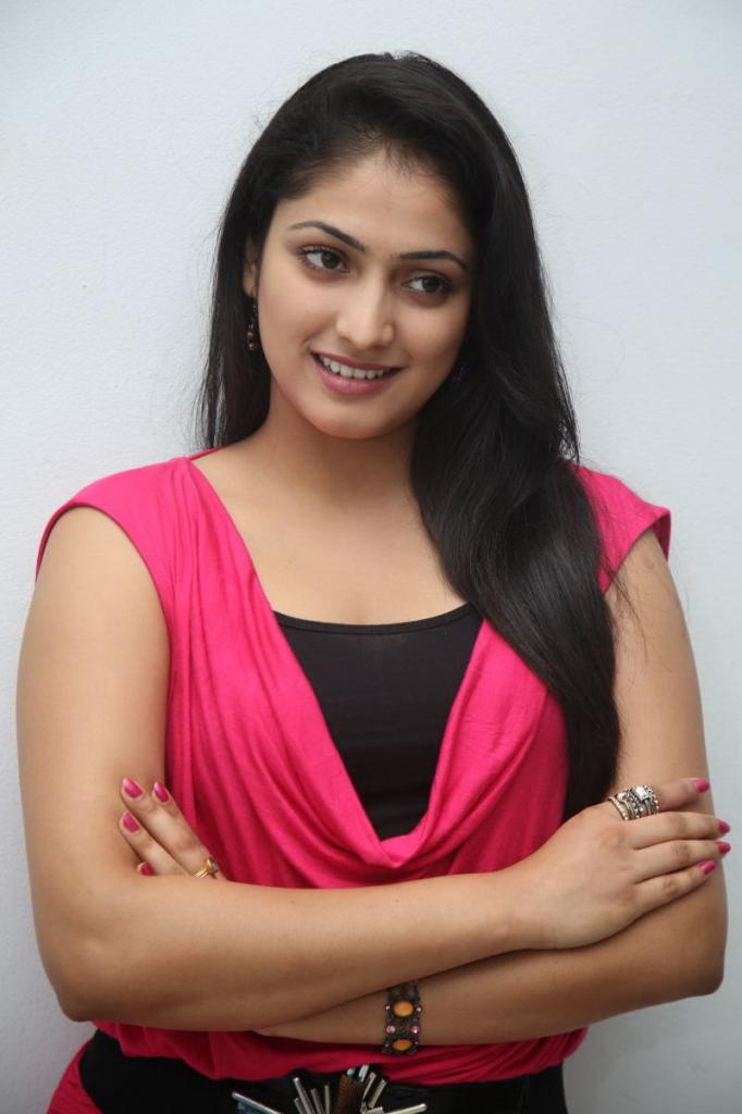 Tamil Actress Haripriya Hot Pics