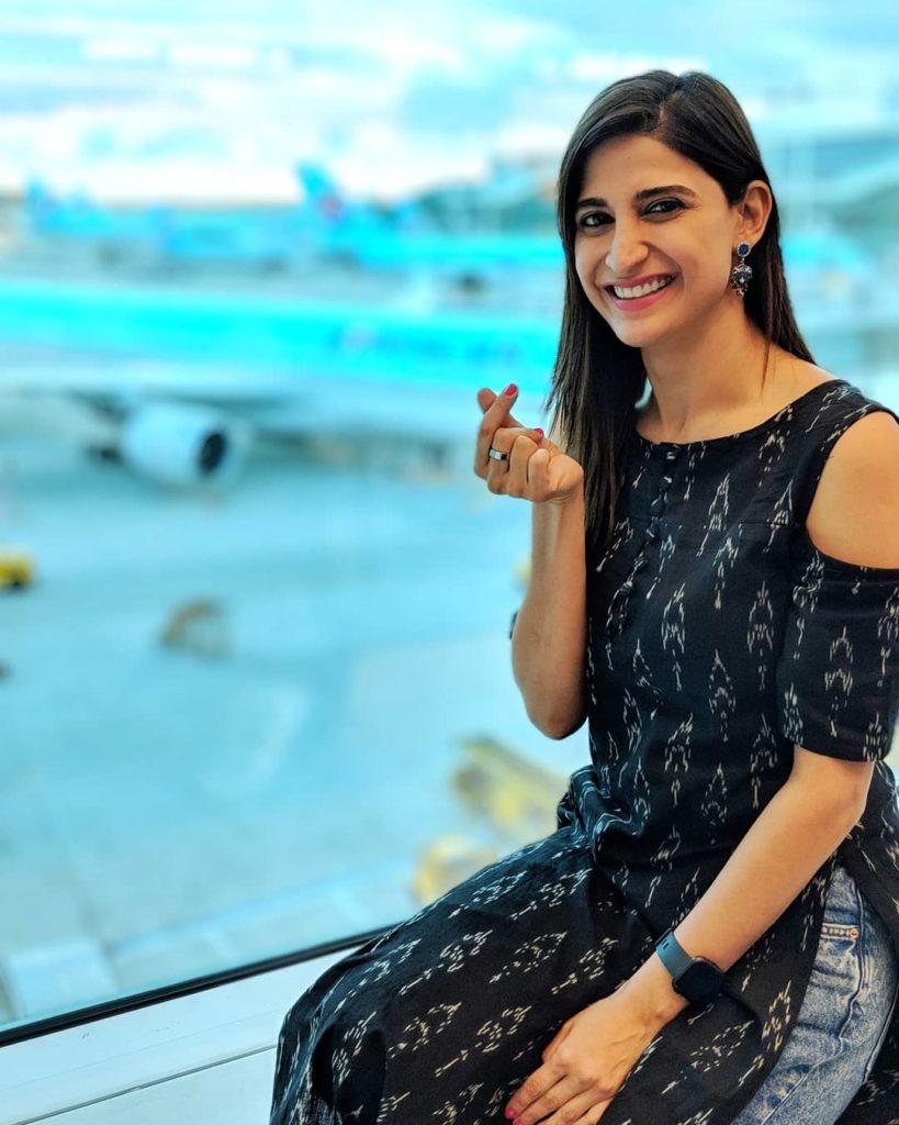 Aahana Kumra Cute Smiling Pics