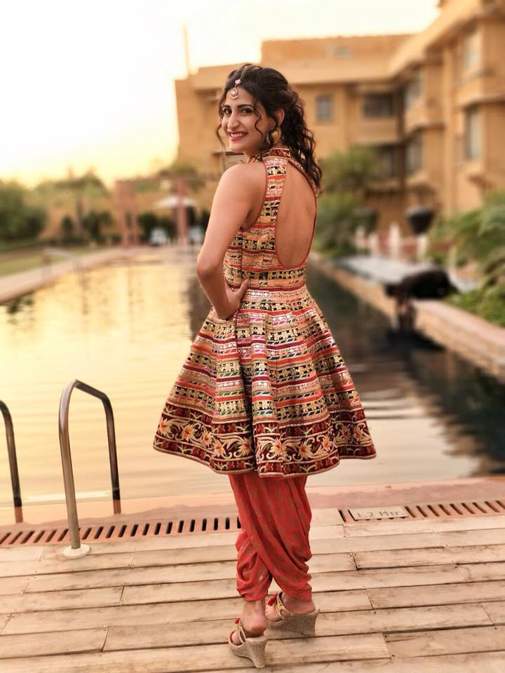 Aahana Kumra In Backless Clothes Images