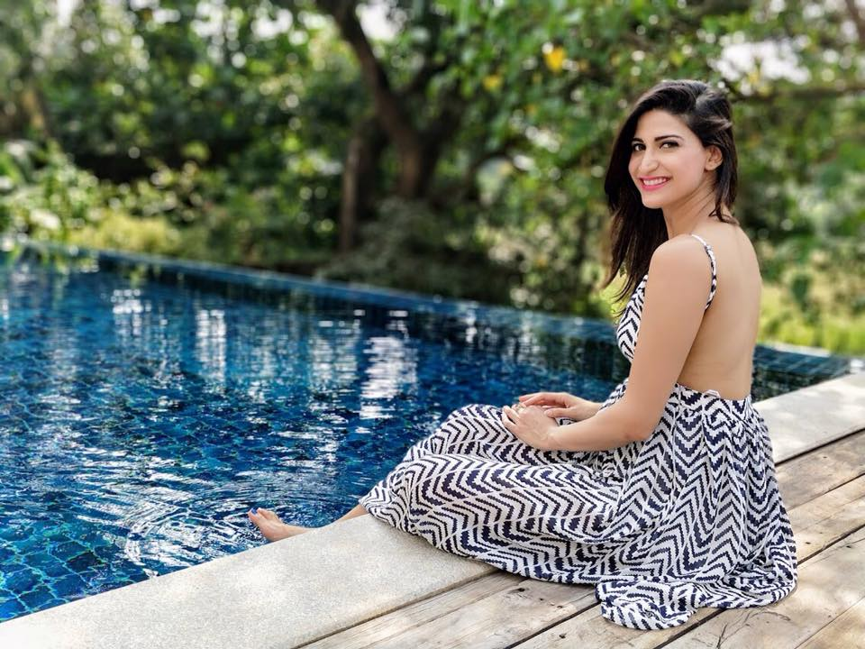 Aahana Kumra In Backless Clothes Photos