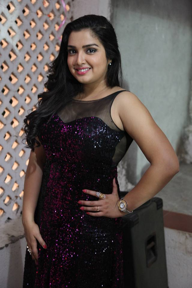Amrapali Dubey Sexy Pics At Event
