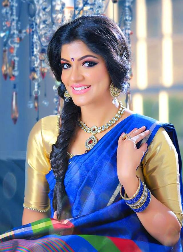 Aparna Balamurali In Blue Saree Wallpapers