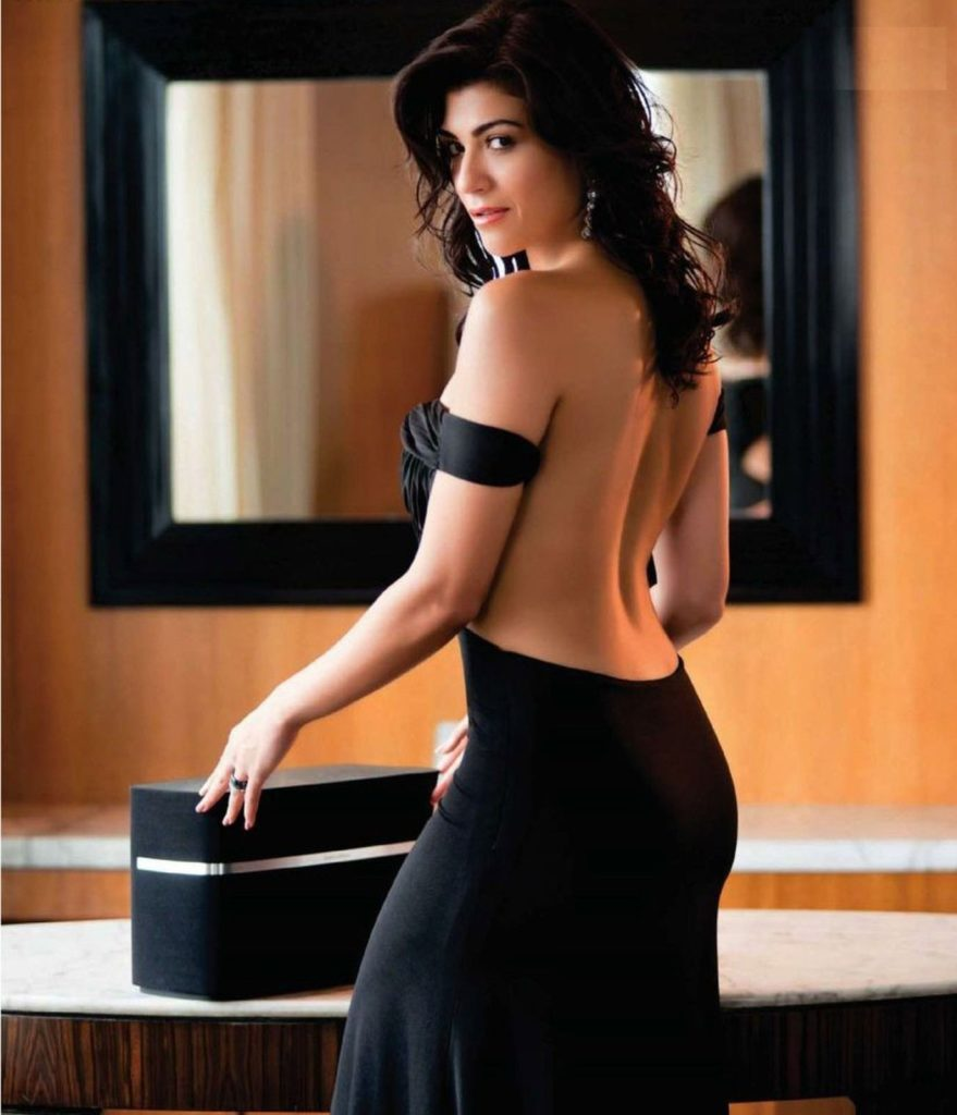 Archana Vijaya Hot Pics In Full Backless Clothes