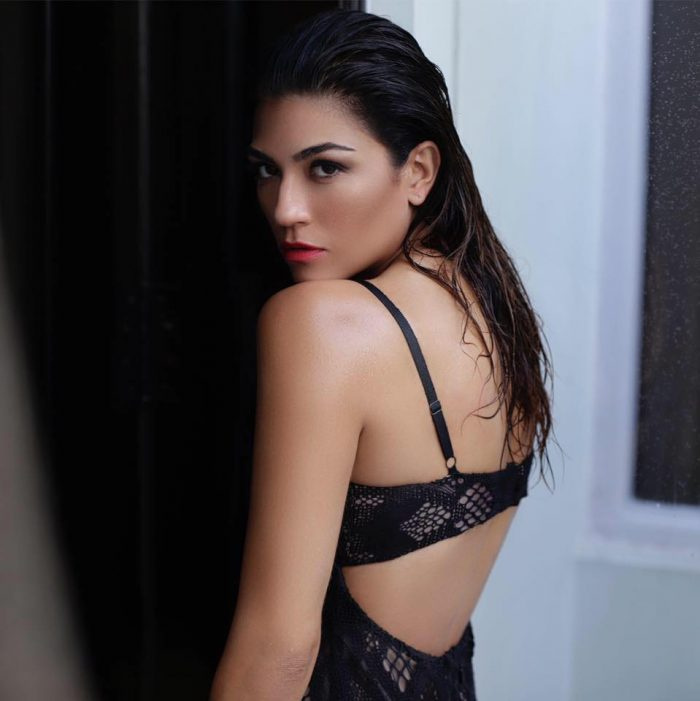 Archana Vijaya In Backless Bra Photos