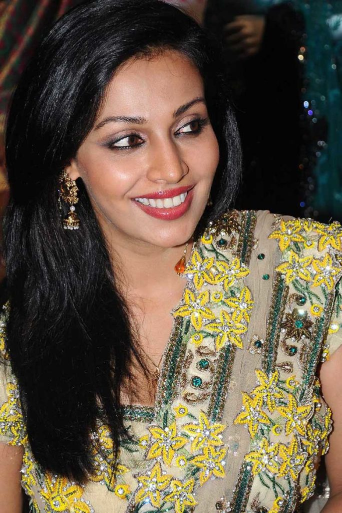 Asha Saini Cute Smiling Photos