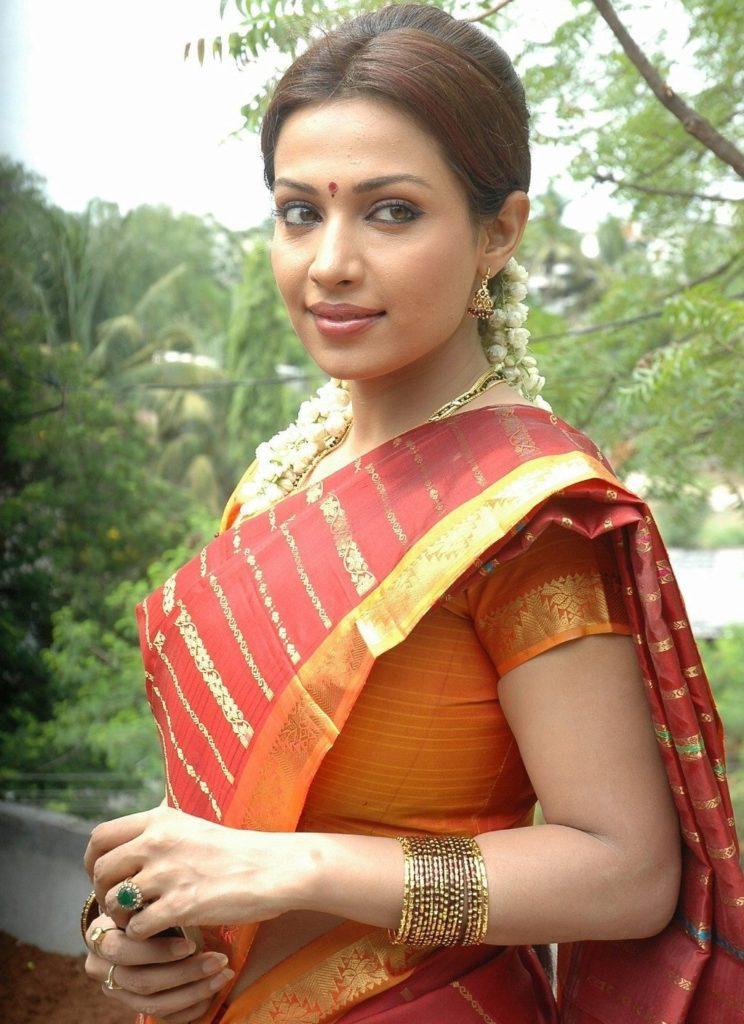 Asha Saini HD Wallpapers Download