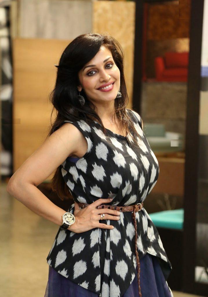 Asha Saini In Black Clothes Photos