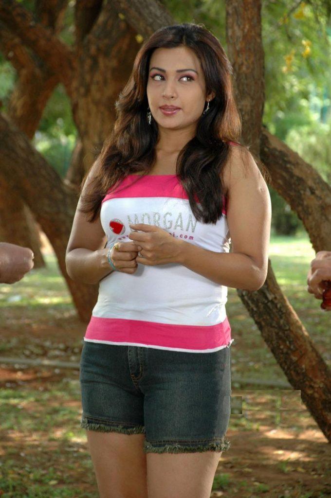 Asha Saini In Shorts Pics In Garden