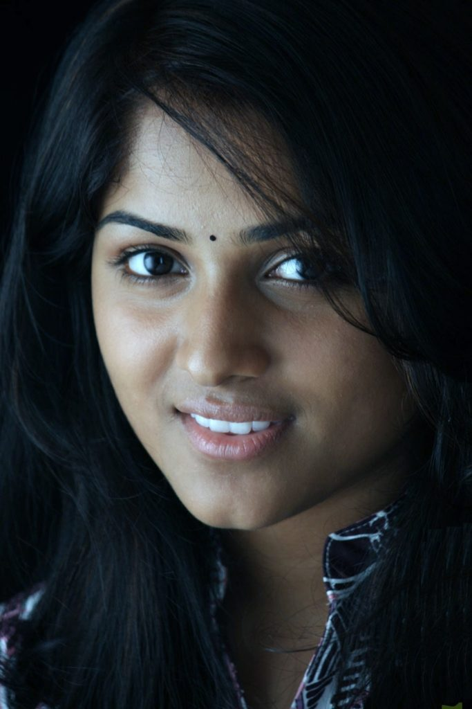 Chandini Sreedharan Cute Smile Photos