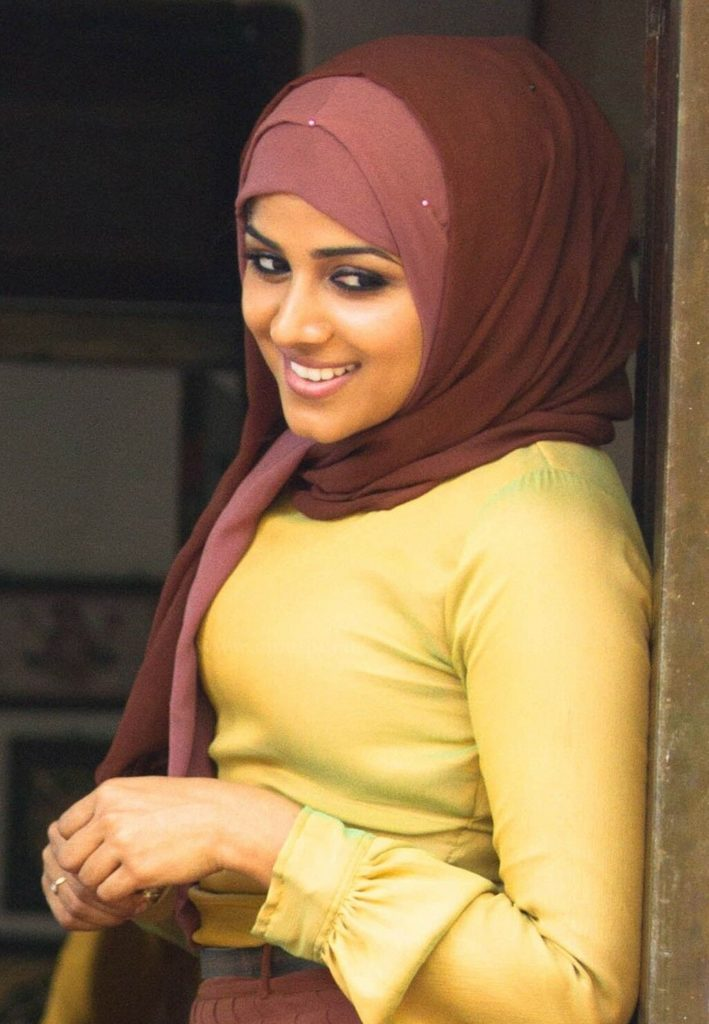 Chandini Sreedharan In Hijab Photos Download