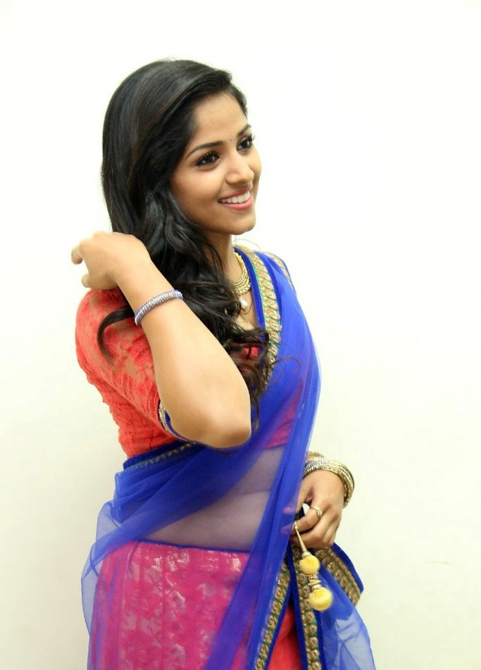 Chandini Sreedharan Navel Photos