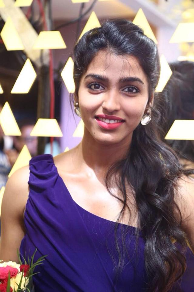 Dhansika Cute Images
