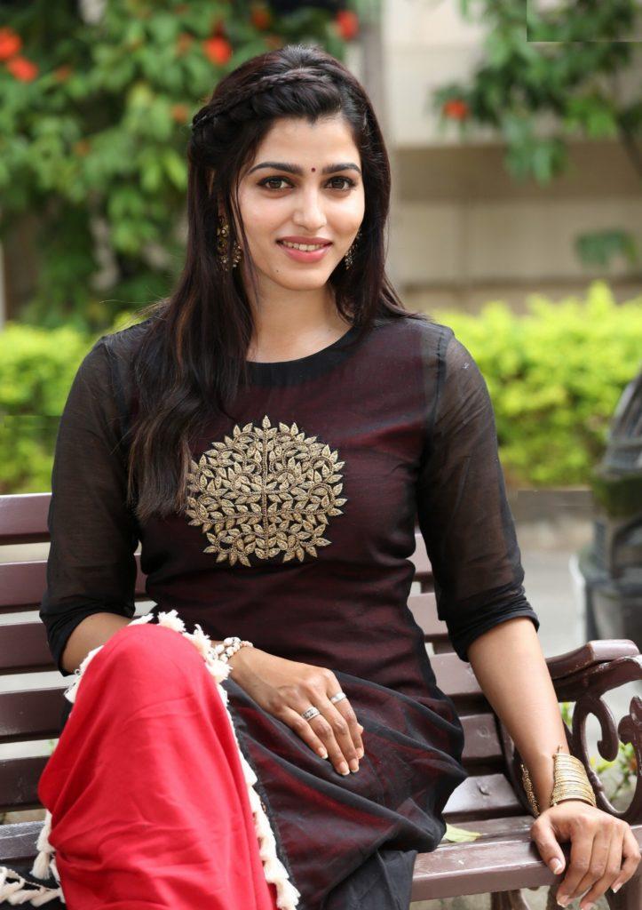 Dhansika Cute Pics