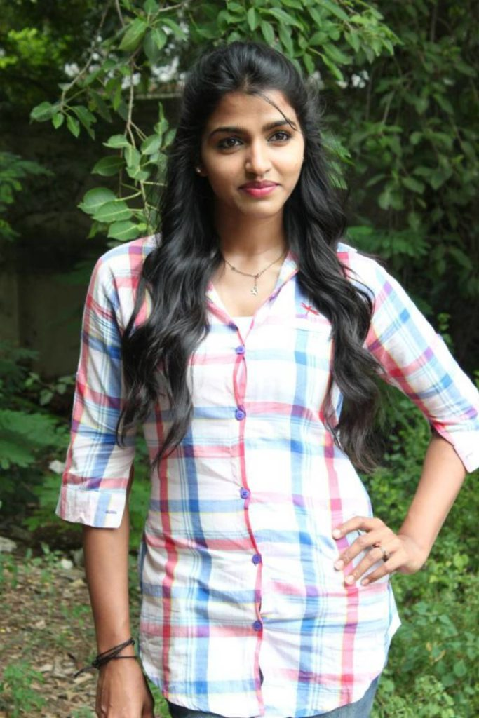 Dhansika In Jeans Pictures