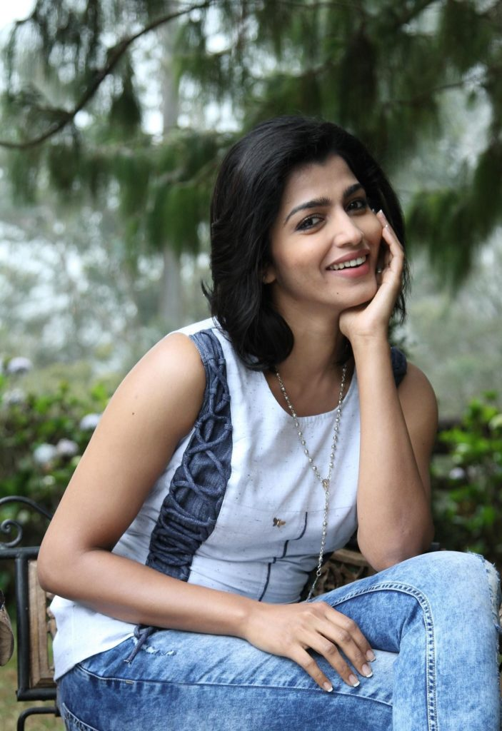 Dhansika In Jeans Top Photos