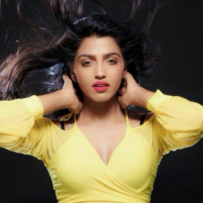 Dhansika New Hair Style Pictures