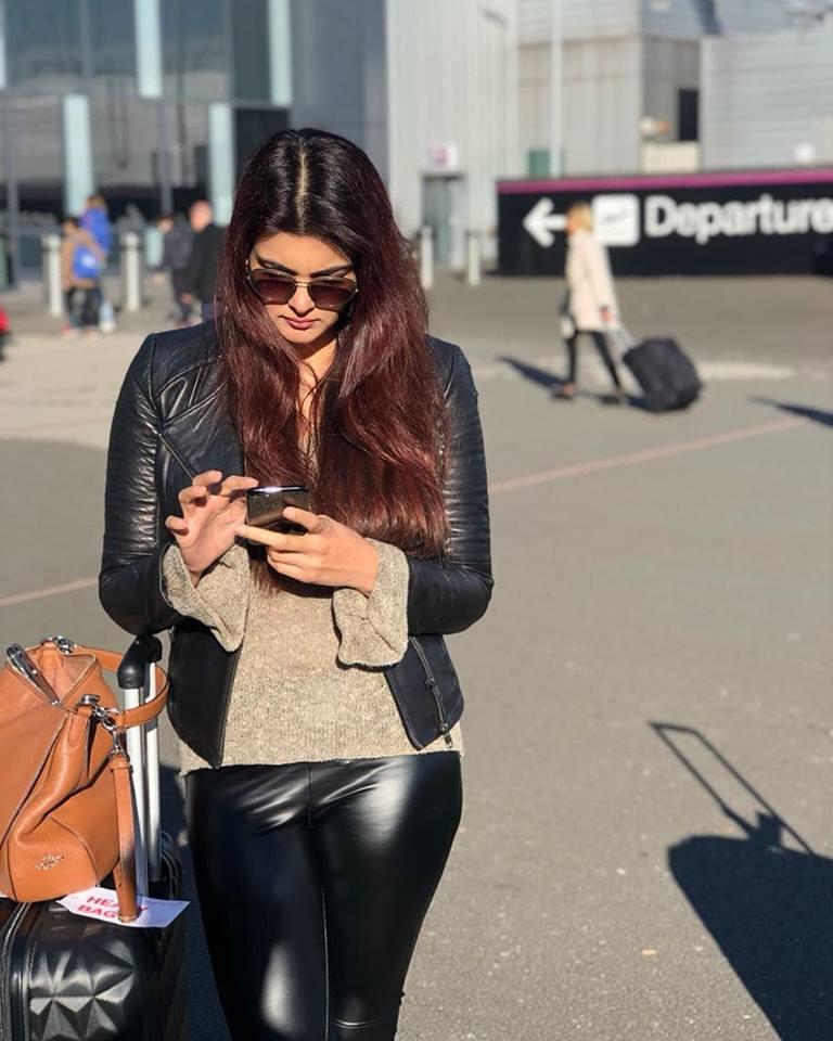 Ihana Dhillon In Jeans Photos
