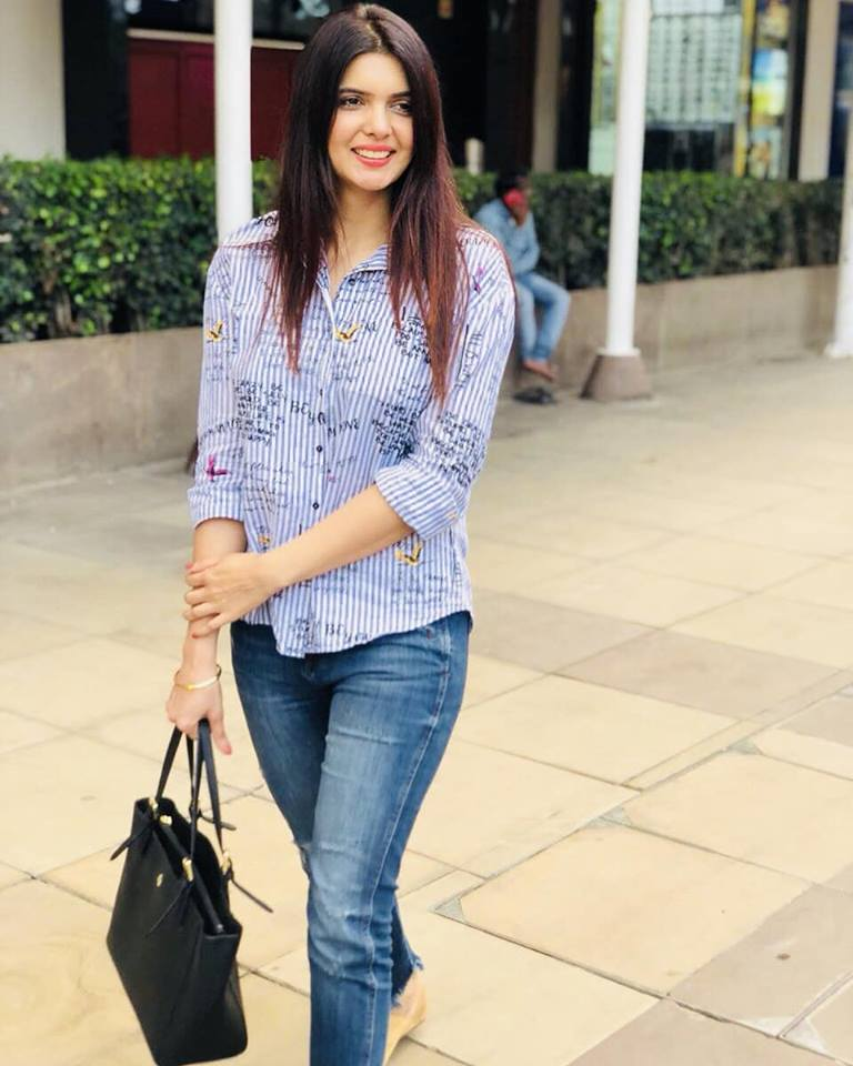 Ihana Dhillon In Jeans Top Images