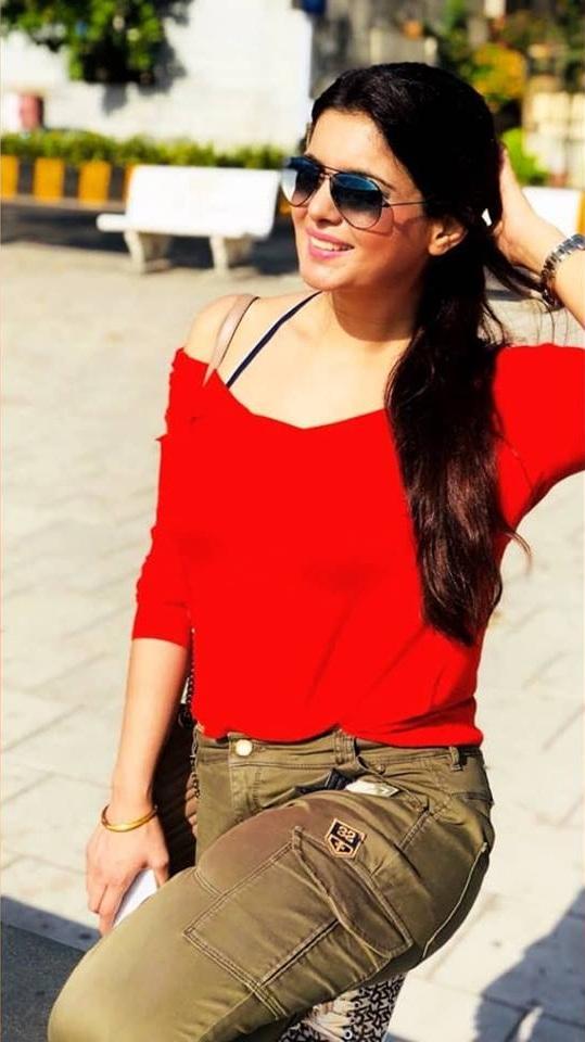 Ihana Dhillon In Jeans Top Photos