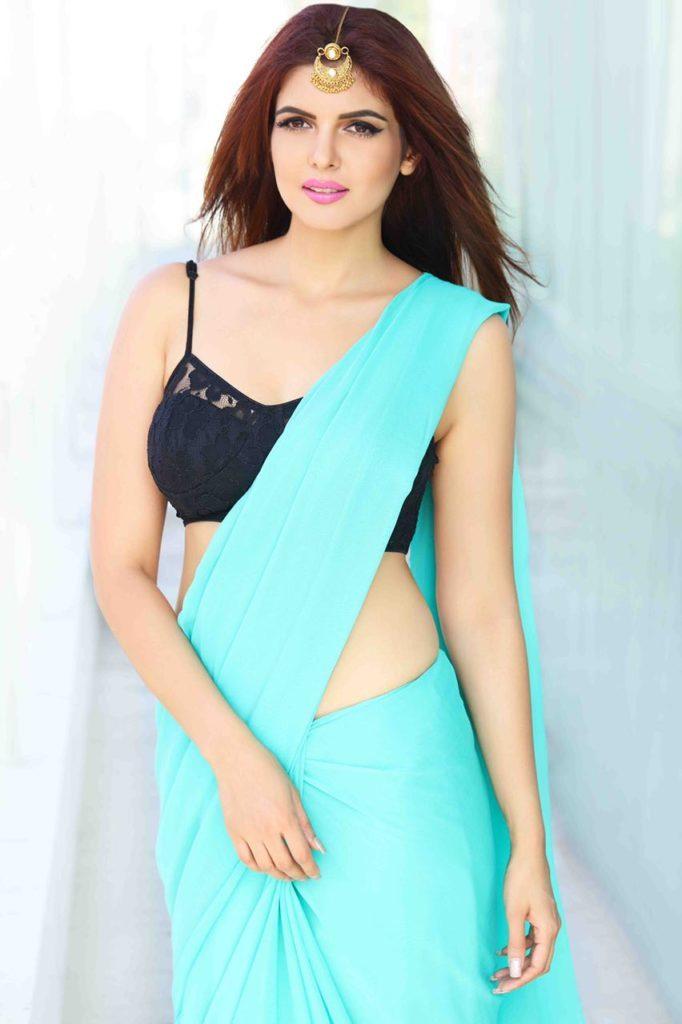 Ihana Dhillon Navel Images In Bra