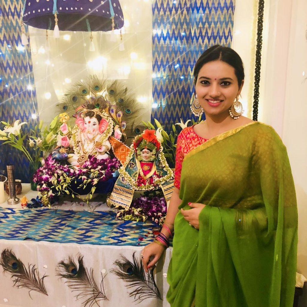Isha Chawla In Saree Photos