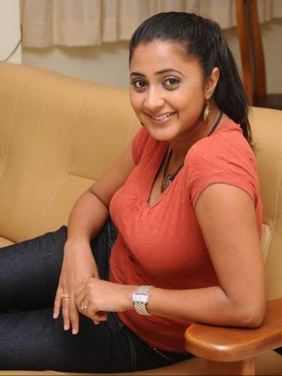 Kaniha In Jeans Top Images