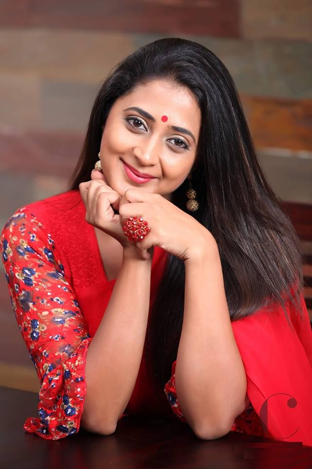 Kaniha In Red Clothes Photos