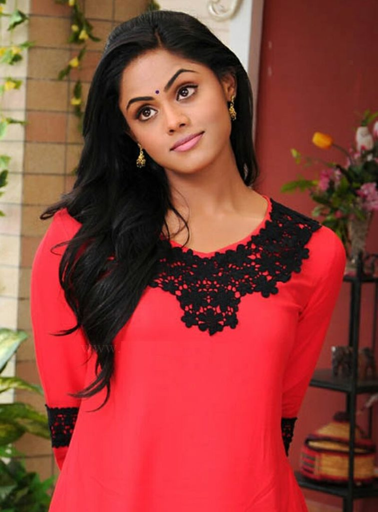 Karthika Nair Bold Photos