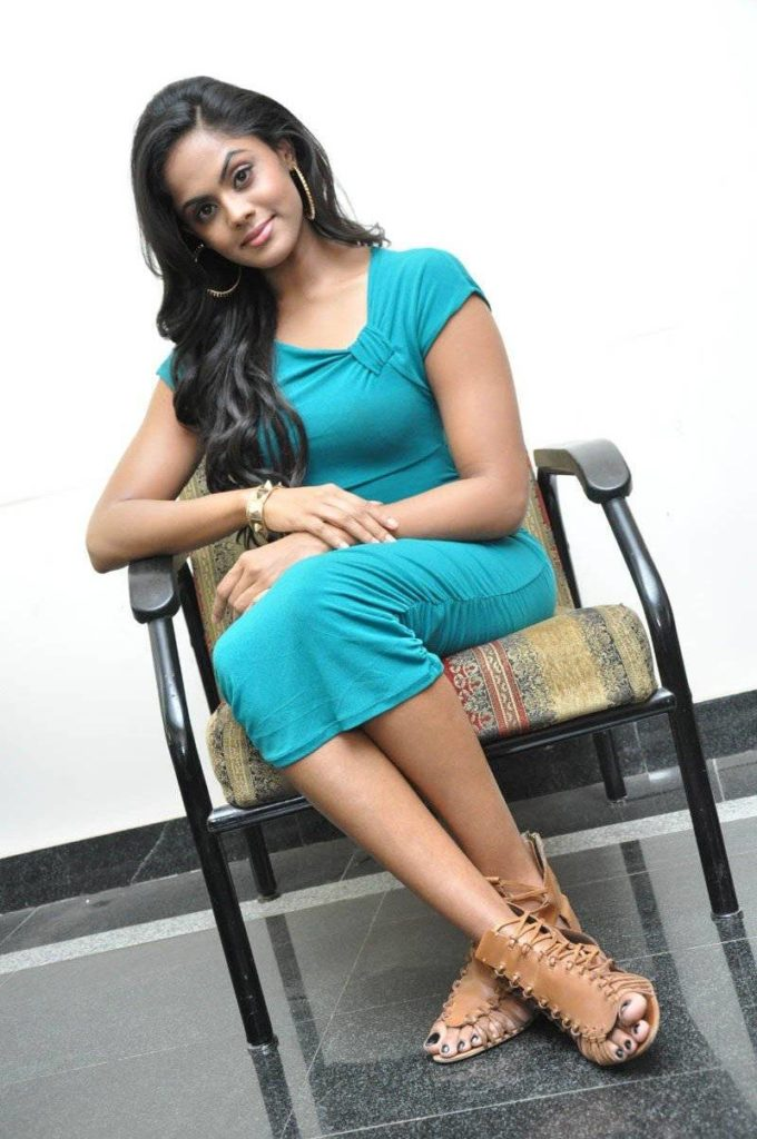 Karthika Nair In Shorts Photos