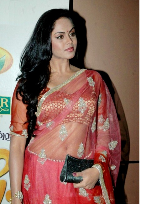 Karthika Nair Navel In Saree Photos