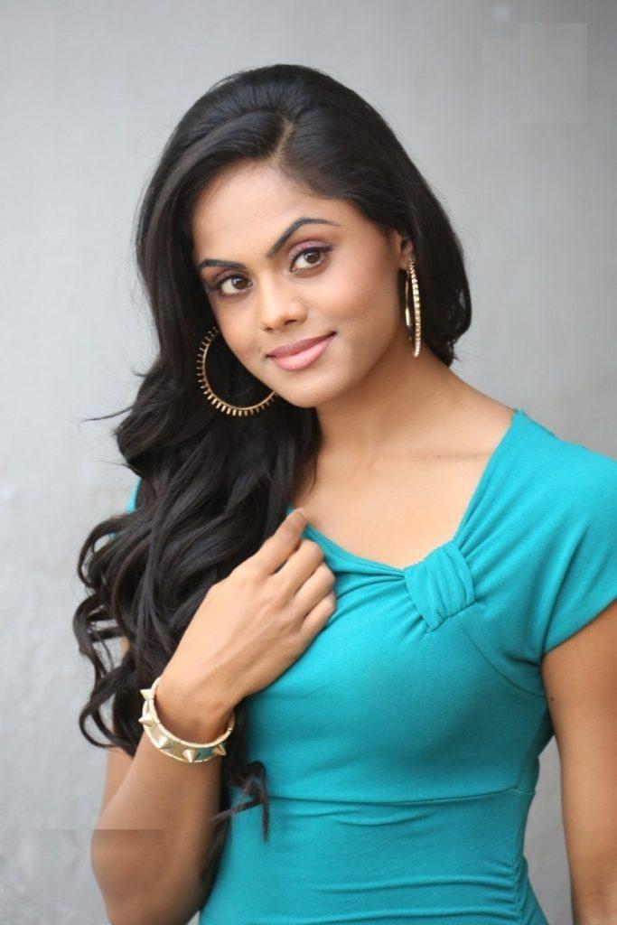 Karthika Nair New Hair Style Photos