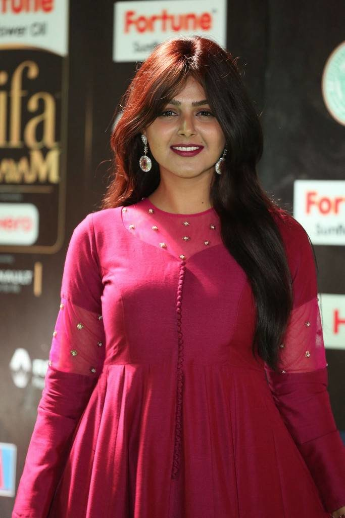 Monal Gajjar Hot Images At Award Show