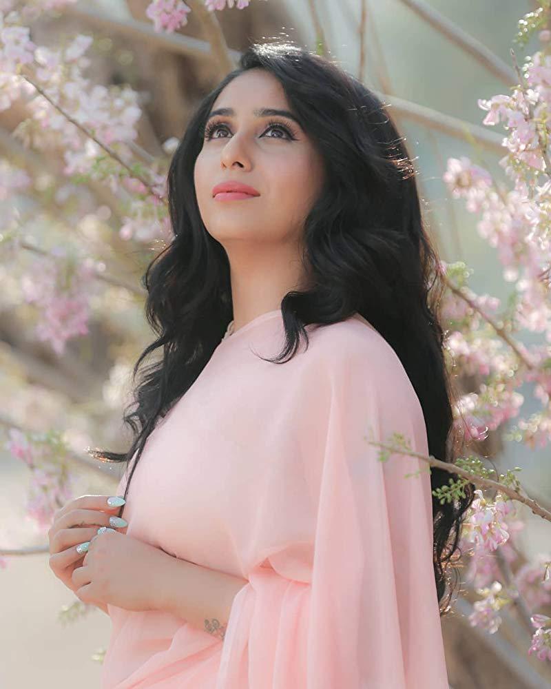 Neha Bhasin In Salwar Kameez Photos