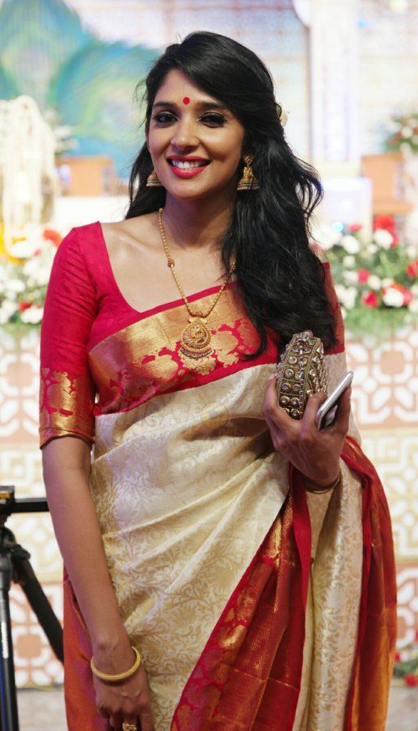 Nyla Usha Hot Photos