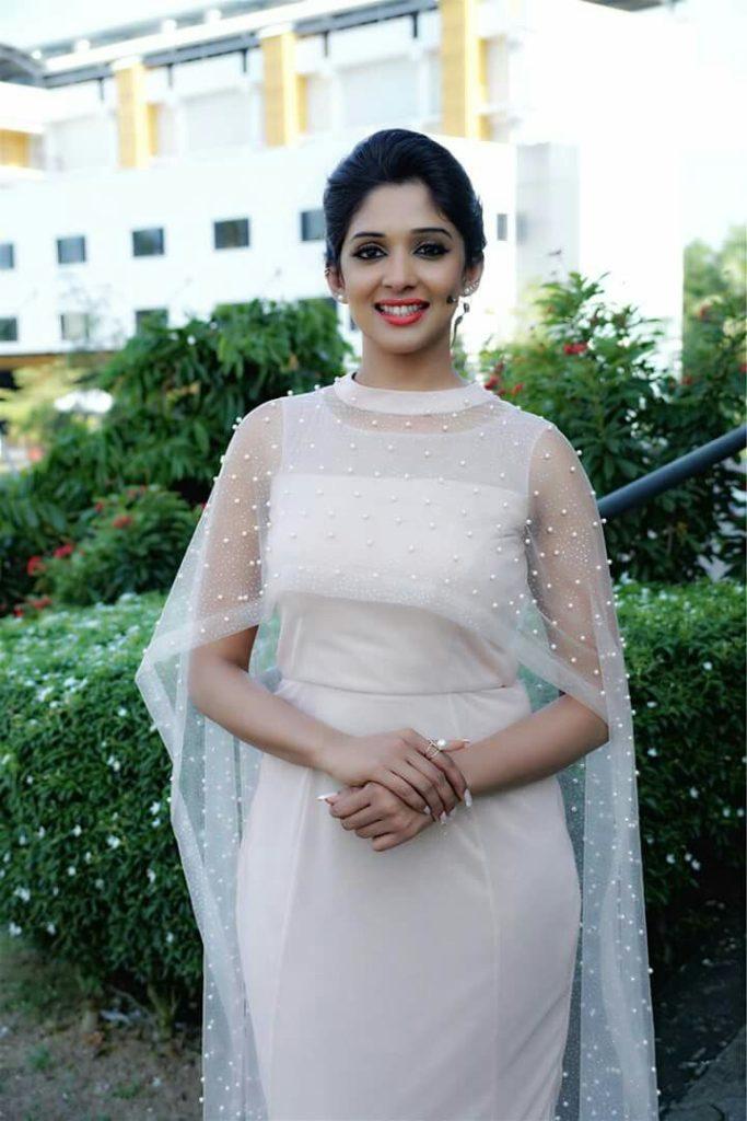 Nyla Usha In Salwar Kameez Pics