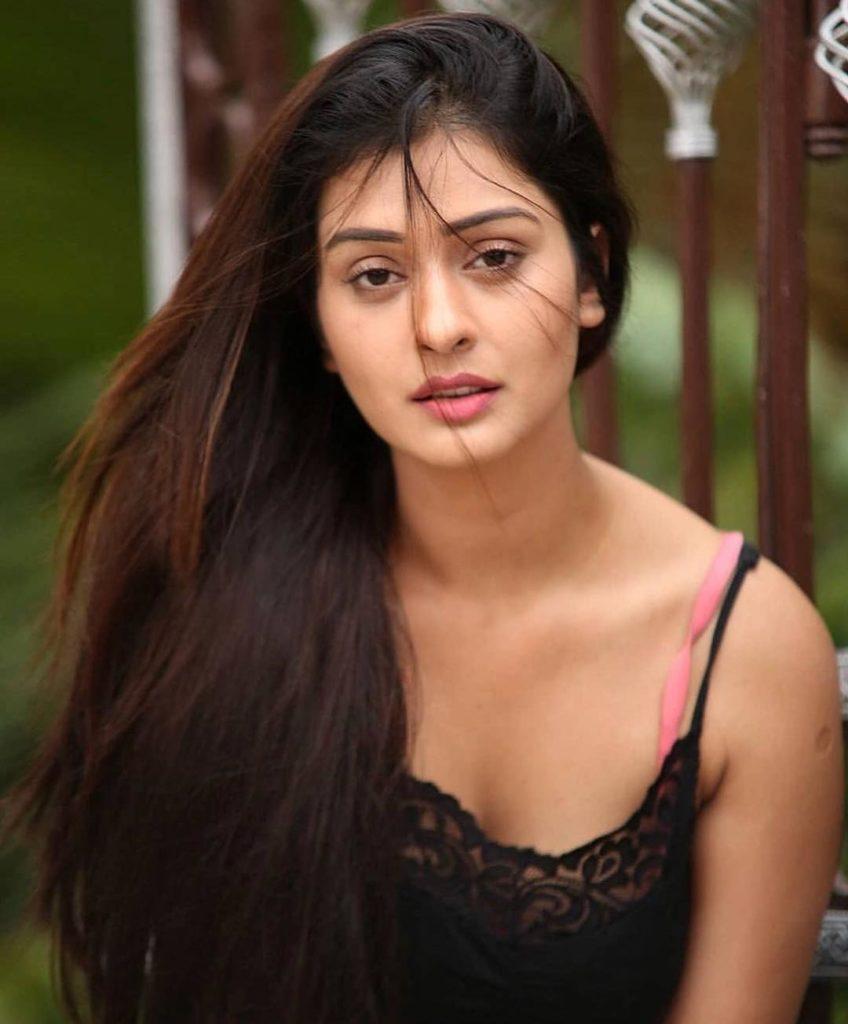 Payal Rajput Sexy Pics