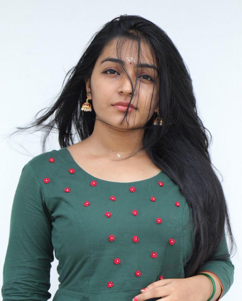 Rajisha Vijayan Latest Hair Style Pics