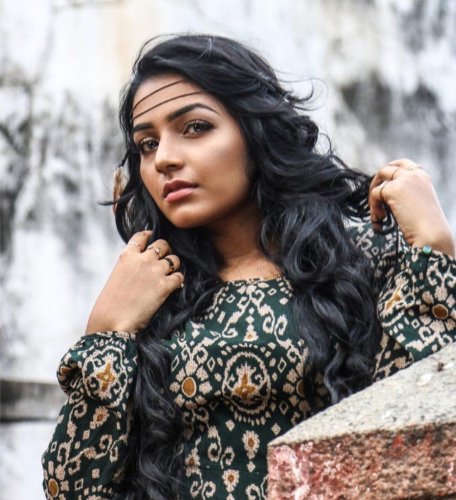 Rajisha Vijayan New Hair Style Photos