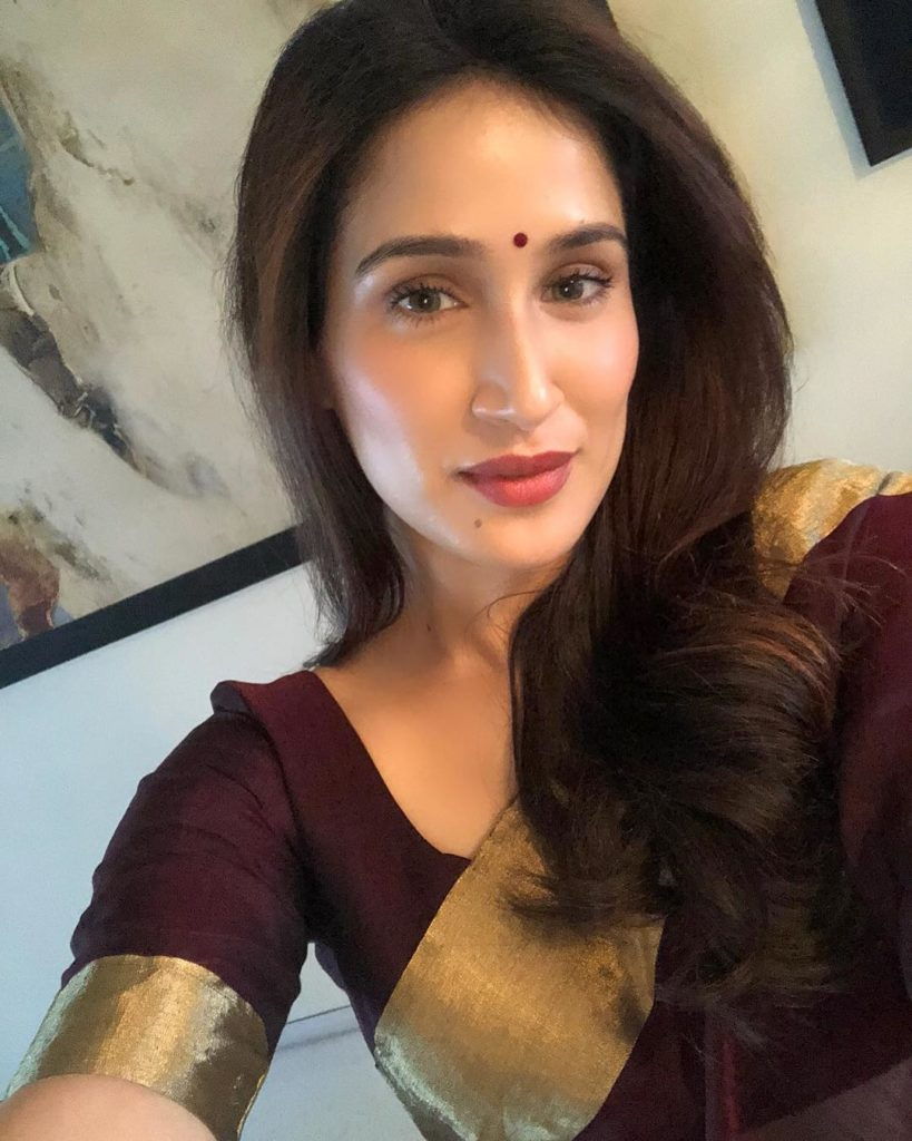 Sagarika Ghatge In Saree Images Gallery