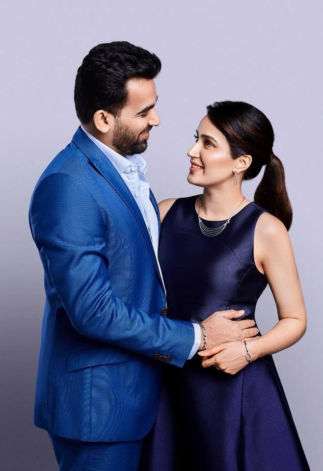 Sagarika Ghatge Sexy Pics With Zaheer Khan
