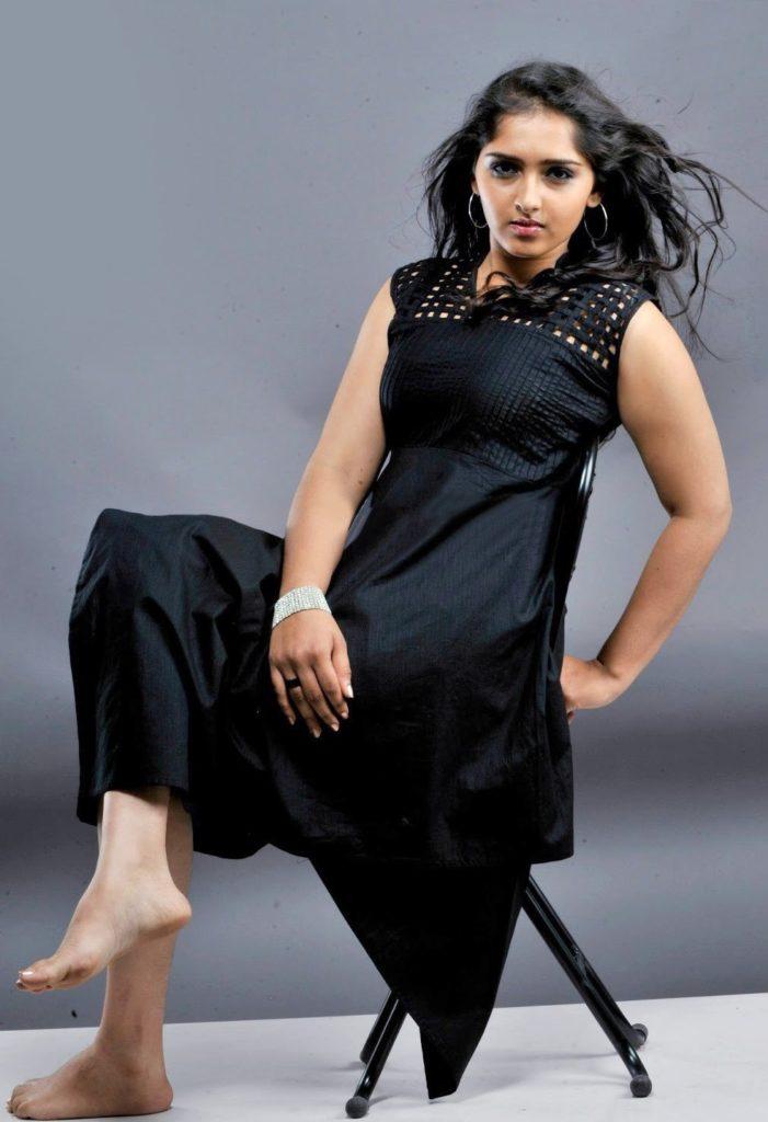 Sanusha Hot Images In Black Salwar Kameez