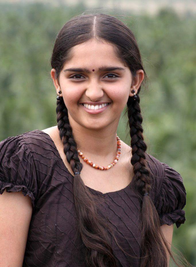 Sanusha Smiling Photos