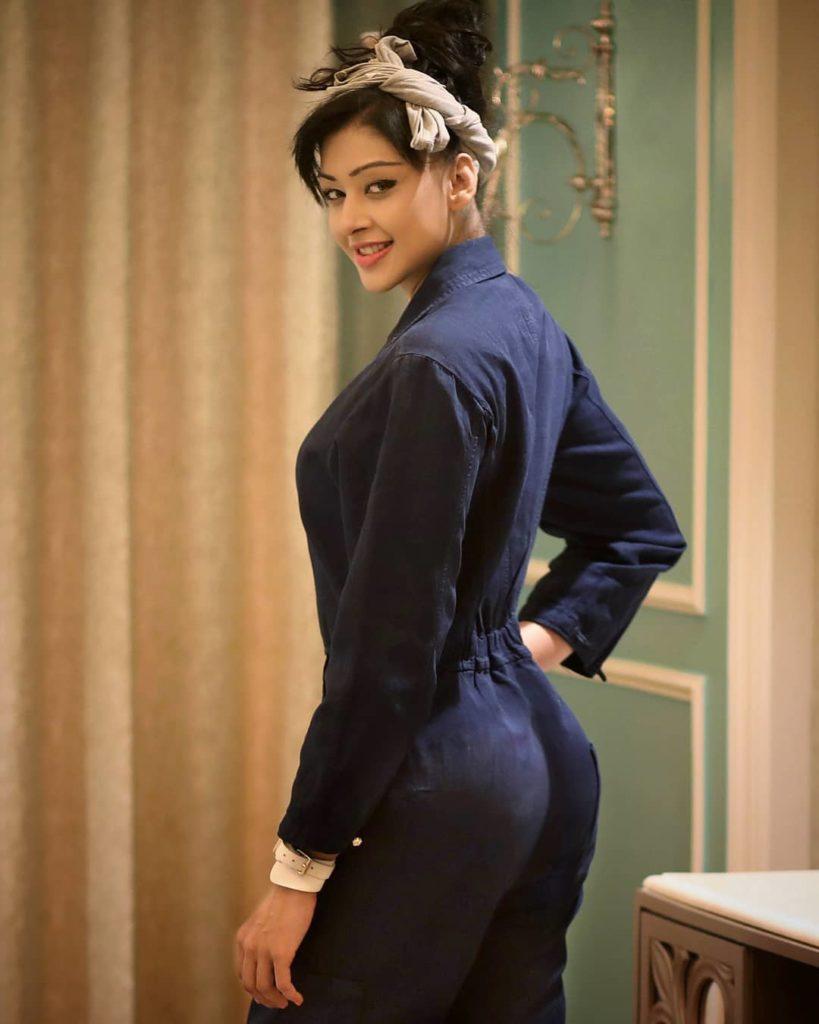 Sapna Vyas Patel Full HD Pics In Backside
