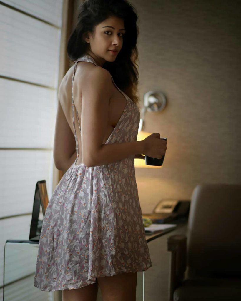 Sapna Vyas Patel In Backless Clothes Pics