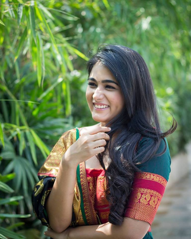 Shalini Pandey Bold Photoshoot In Garden