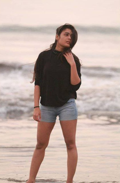 Shalini Pandey In Bikini Wallpapers