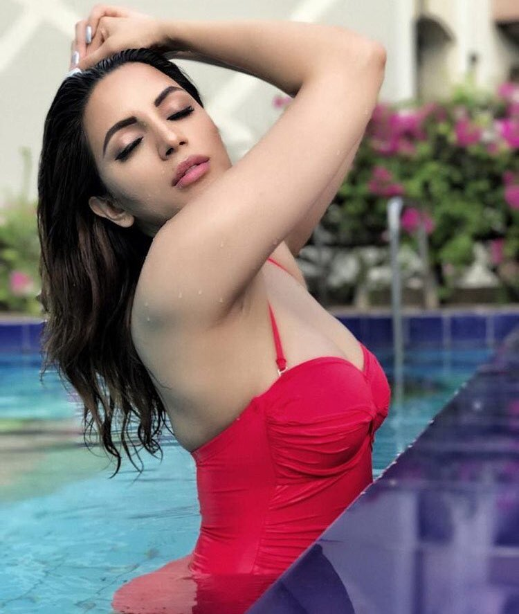 Shama Sikander In Swiming Pool Photos
