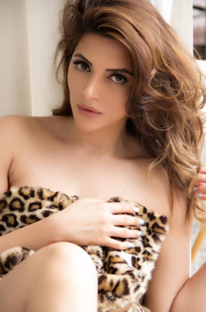 Shama Sikander In Topless Images