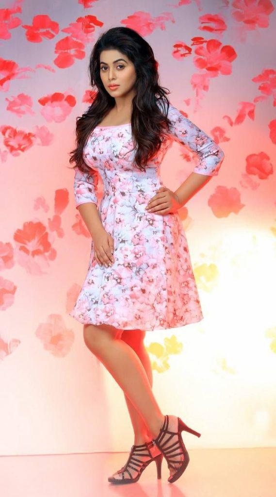 Shamna Kasim In Bikini Pics